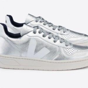 BRAND NEW: Veja V10 Silver Leather Sneakers